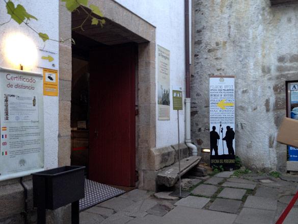 Gu a del camino portugu s de tui a santiago de compostela for Oficina del peregrino